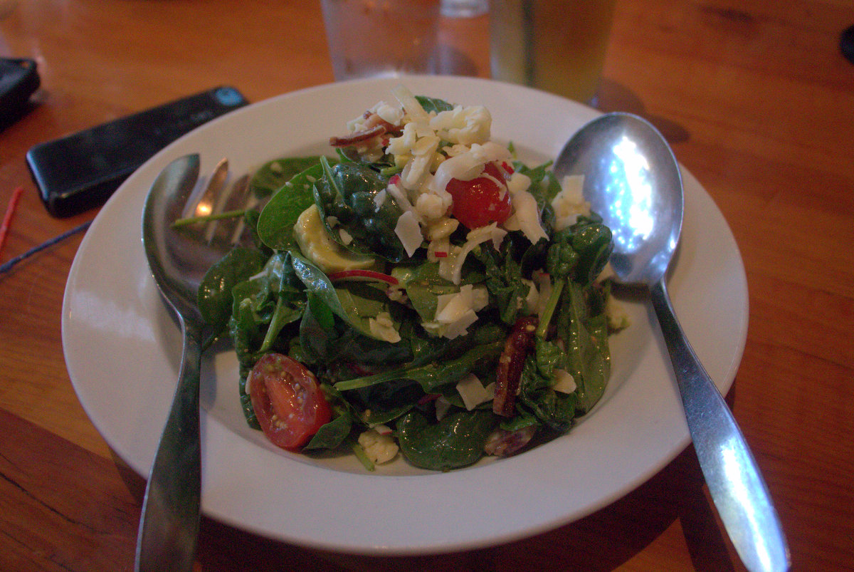 spinach-salad-the-parlor